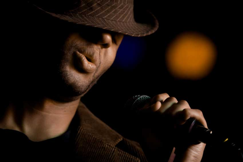 Develop your singing voice the right way with expect coaching.